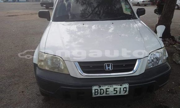 Buy Imported Honda CR–V White Car in Port Moresby in National Capital District