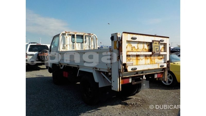 Big with watermark toyota dyna enga import dubai 6254