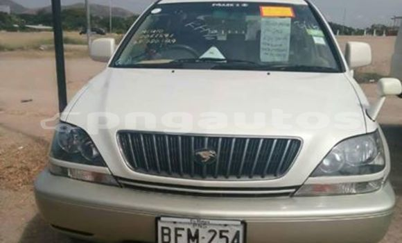 Buy Imported Toyota Harrier White Car in Port Moresby in National Capital District
