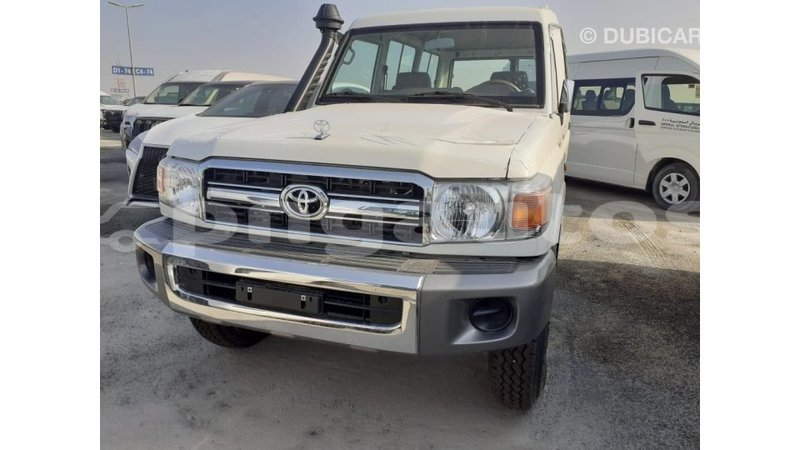 Big with watermark toyota land cruiser enga import dubai 6304