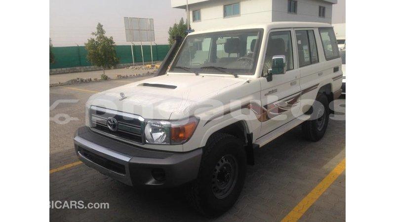 Big with watermark toyota land cruiser enga import dubai 6310