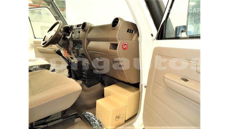 Big with watermark toyota land cruiser enga import dubai 6328