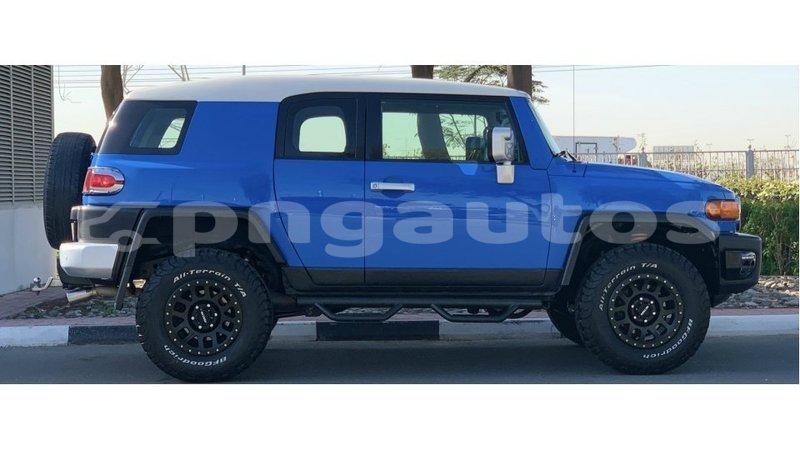 Big with watermark toyota fj cruiser enga import dubai 6339