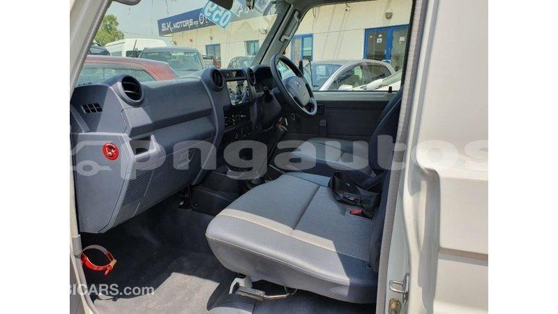 Big with watermark toyota land cruiser enga import dubai 6378