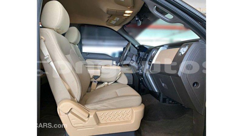 Big with watermark ford club wagon enga import dubai 6379