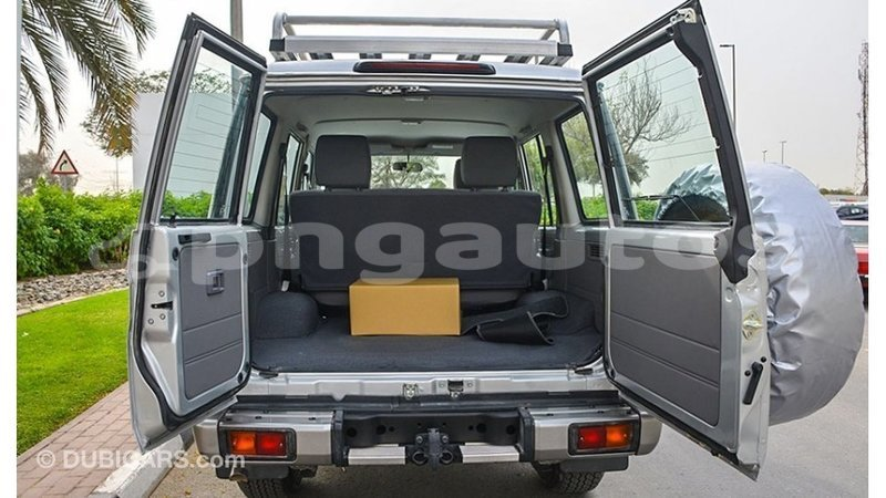 Big with watermark toyota land cruiser enga import dubai 6402