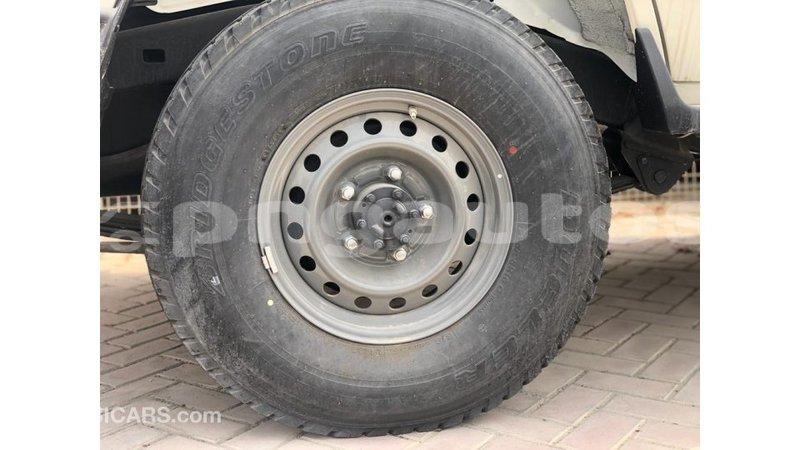 Big with watermark toyota land cruiser enga import dubai 6427