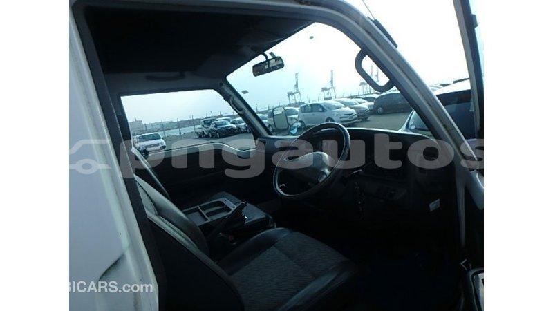 Big with watermark nissan caravan enga import dubai 6462