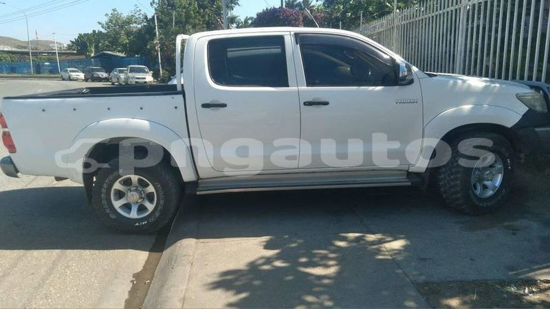 Big with watermark toyota hilux national capital district port moresby 6476