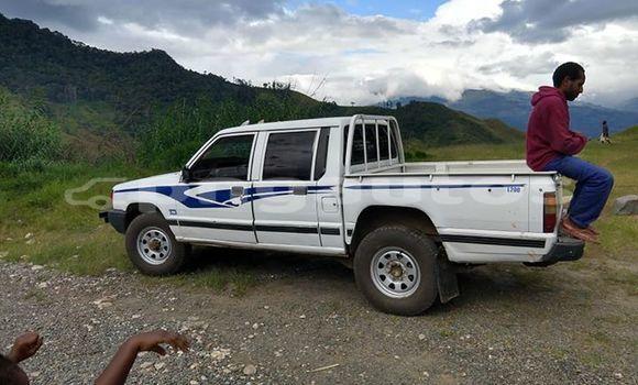 Buy Used Mitsubishi L200 White Car in Goroka in Eastern Highlands