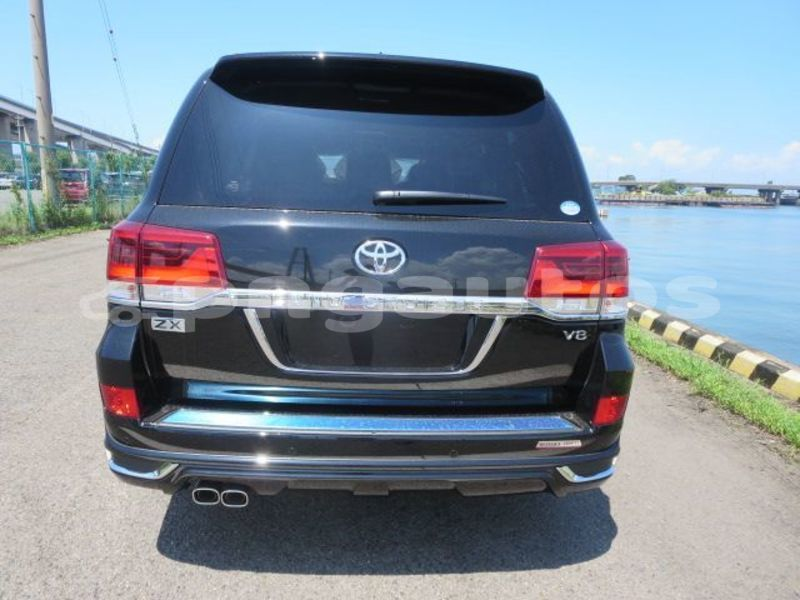 Big with watermark toyota land cruiser western fly aiamback 6628