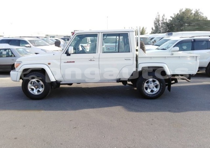 Big with watermark toyota land cruiser national capital district port moresby 6733