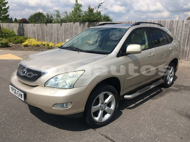 Big with watermark toyota harrier western fly aiamback 6830
