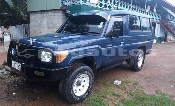Buy Used Toyota Land Cruiser Blue Car in Port Moresby in National Capital District