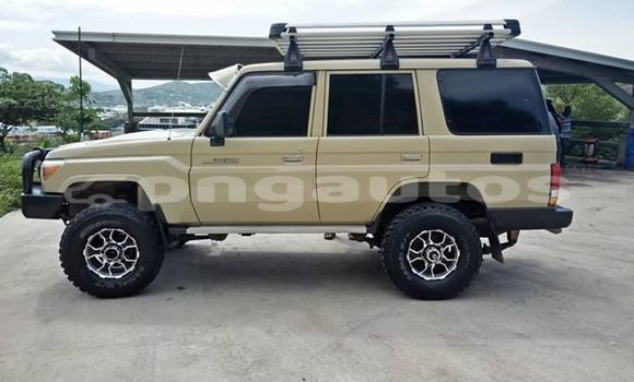 Buy Used Toyota Landcruiser Beige Car in Port Moresby in National Capital District