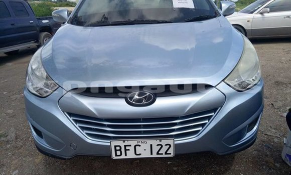 Buy Used Hyundai Tucson Blue Car in Port Moresby in National Capital District