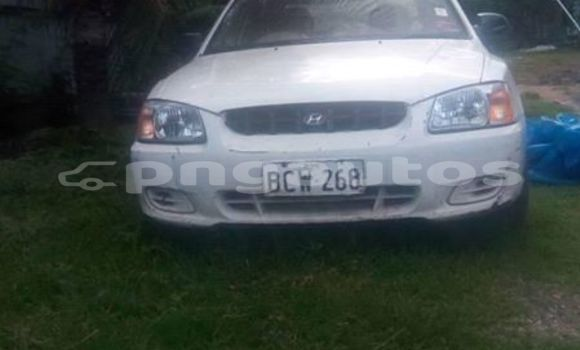 Buy Used Hyundai Accent White Car in Port Moresby in National Capital District