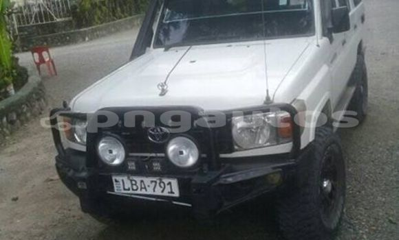 Buy Used Toyota Landcruiser White Car in Port Moresby in National Capital District