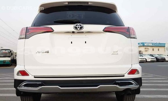 Buy Import Toyota RAV 4 White Car in Import - Dubai in Enga