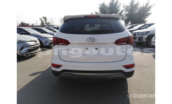 Buy Import Hyundai Santa Fe White Car in Import - Dubai in Enga