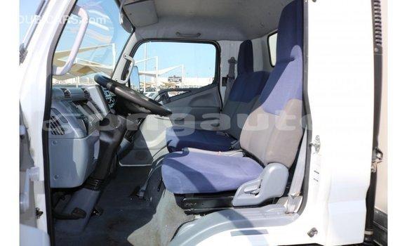 Buy Import Mitsubishi Carisma White Car in Import - Dubai in Enga